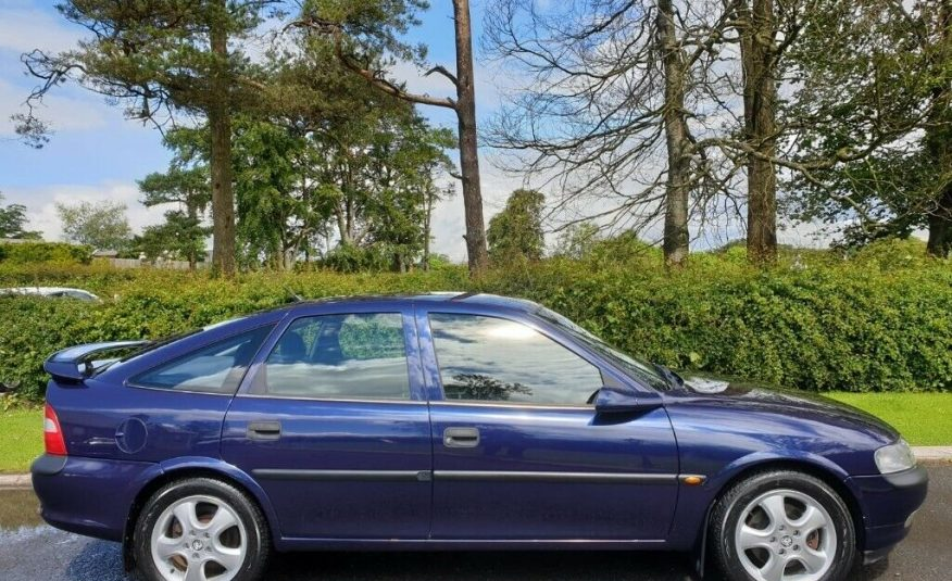 1998 Vauxhall Vectra 2.5 V6 SRi 4dr, Only 88000 Miles! One Owner! FVSH! 14 Service Stamps!